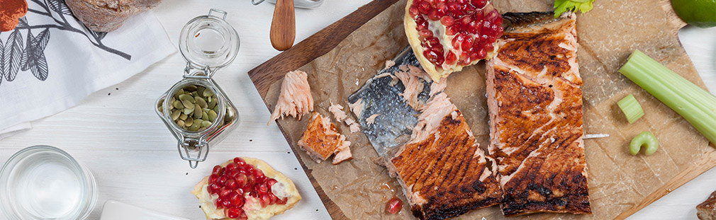Easy Grilled Salmon with Pomegranate Vinaigrette
