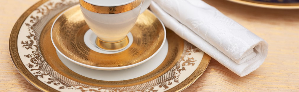 Porcelain and china dinnerware