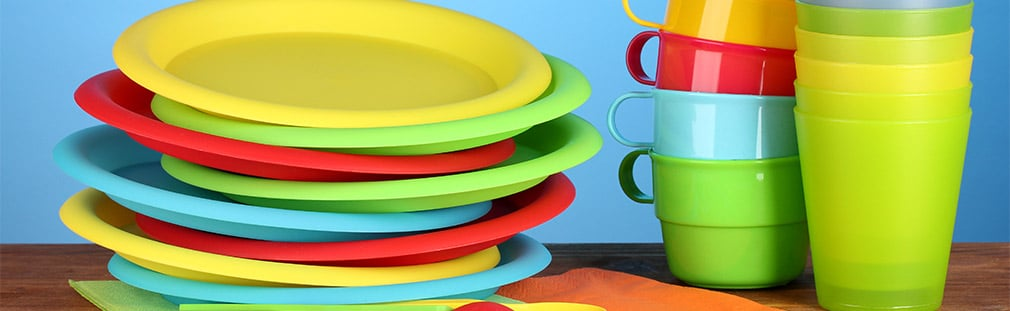Plastic dinnerware for restaurants