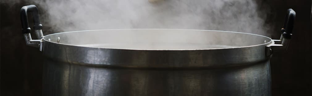 Riveted handles in commercial cookware