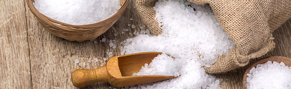 Discover the rich trove of gourmet salts to spice up your dishes and menus.