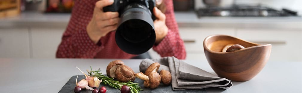 Discover why using food photography will create a buzz for your biz.