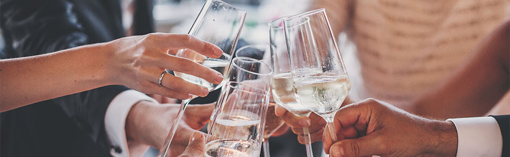 The art of serving champagne for foodservice pros.